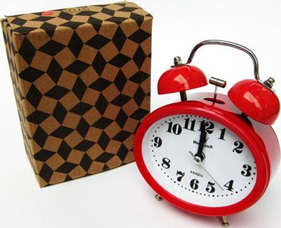 Часы на Митинском Радиорынке в павильоне 322 «Тысяча мелочей» - Красный цвет