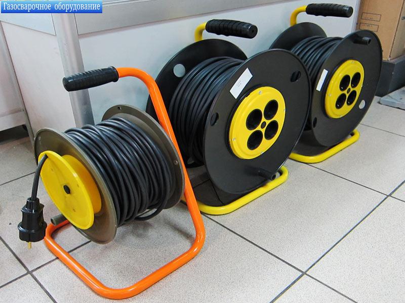 ИП «Гаврилов Ю.А.» предлагает оптом в Митино большой ассортимент электрических удлинителей на катушках